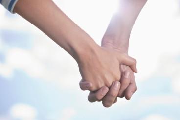 o-HANDS-HOLDING-facebook